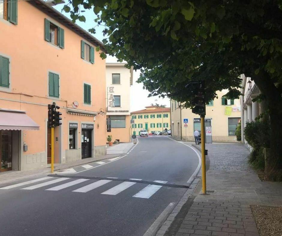 Semaforo a chiamata in Via della Repubblica a Barberino