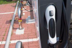 Stazione ricarica auto elettrica_a