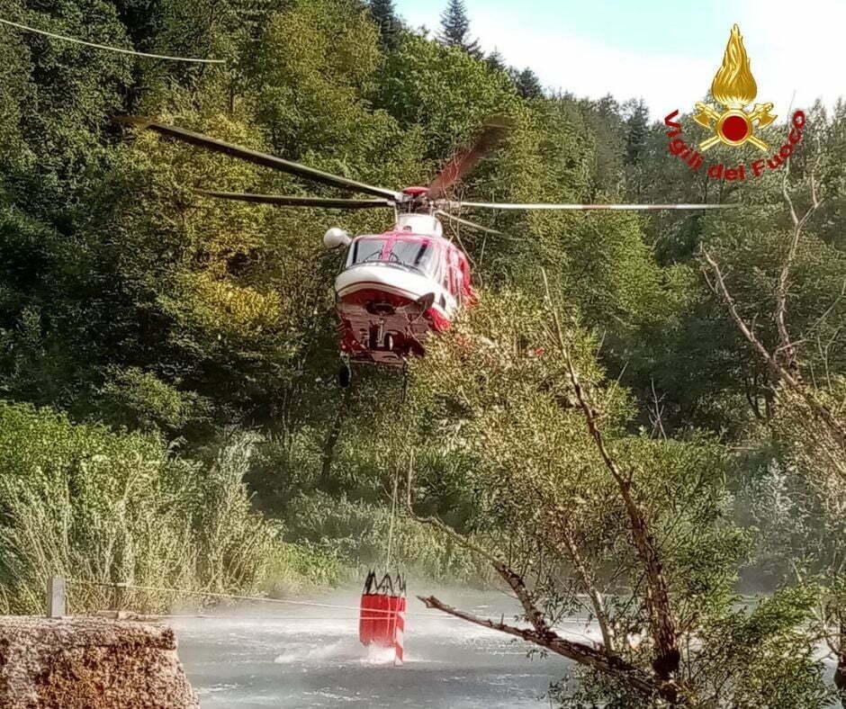Elicottero Drago VF intervenuto a Campigno