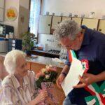 Nonna Dina con Vito Maida, sindaco di Rufina
