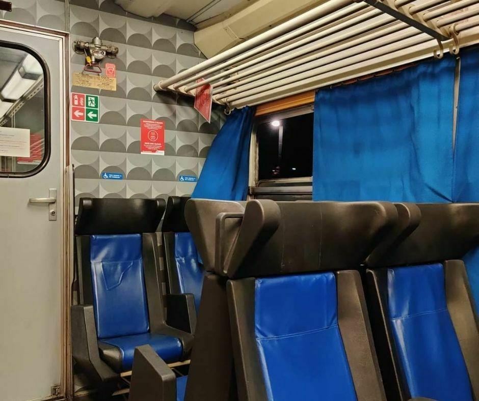 Finestrino Treno Rotto_2