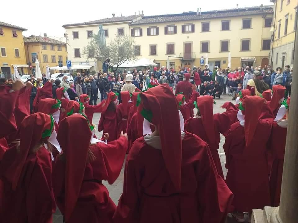 Tanti Dantini a Vicchio (1)